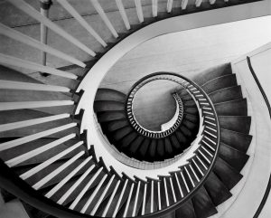 Escaleras de Madera en Colina Campestre
