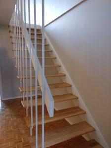 Escaleras de madera en Cedritos