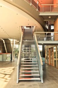 Escaleras de madera en Chicó